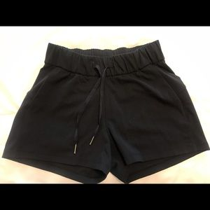 Lululemon On the Fly Short 2.5 inches